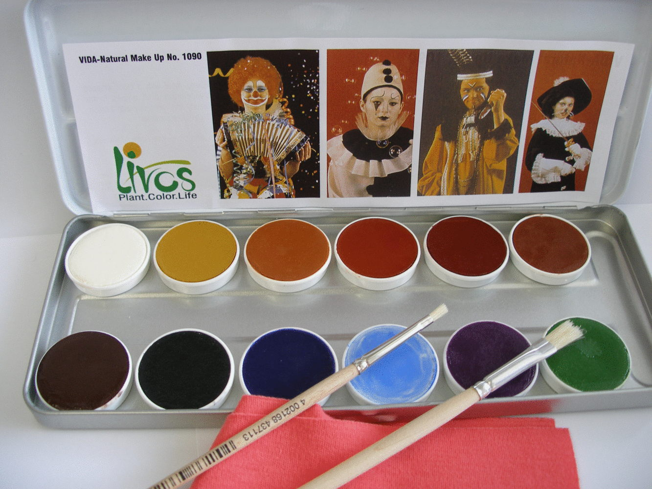 The livos face paints are environmentally friendly non toxic products, safe for babies and kids.